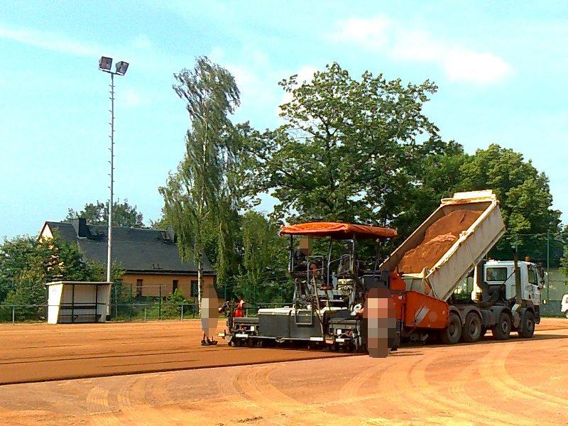 Erneuerung Belag<br>Hartplatz in Burkhardtsdorf