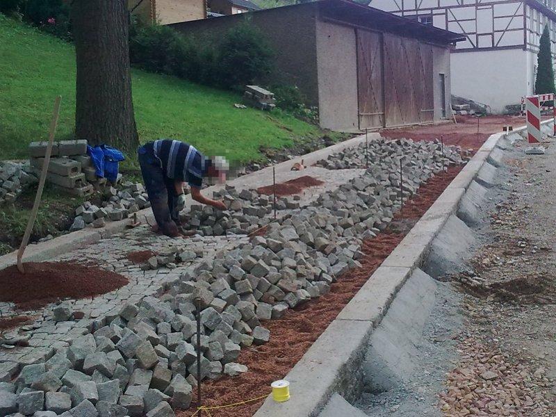 Straßenbau mit Granitpflaster