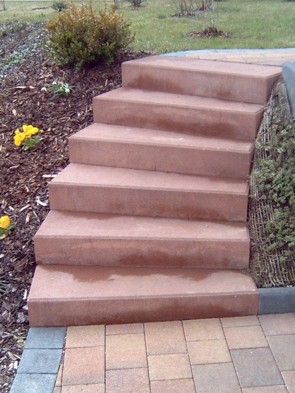 Treppe aus Betonblockstufen